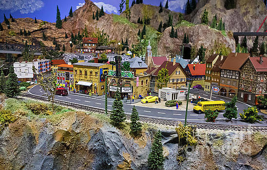 Osoyoos model railroad theatre scene by Maria Janicki