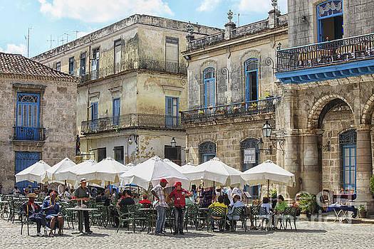 Patricia Hofmeester - Outdoor restaurant in Cuba