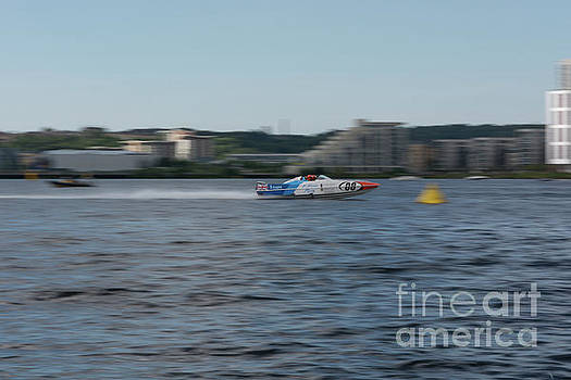 Steve Purnell - P1 Powerboats 2