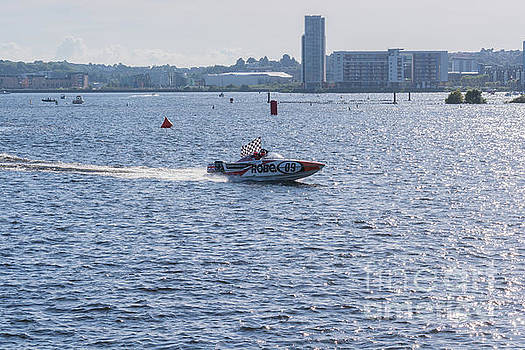 Steve Purnell - P1 Powerboats 4