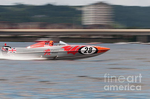 Steve Purnell - P1 Powerboats 7