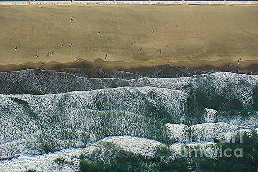 Pacific Ocean by Juan Silva