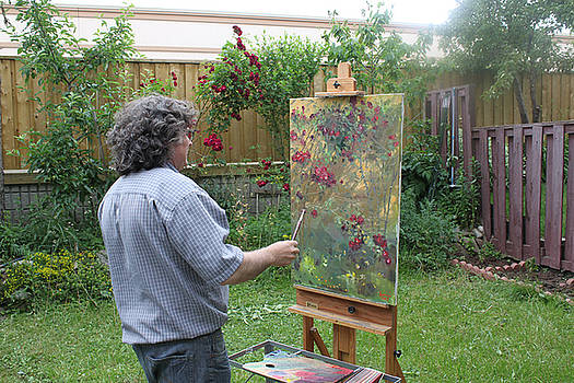 Ylli Haruni - Painting Roses in Viola s Garden