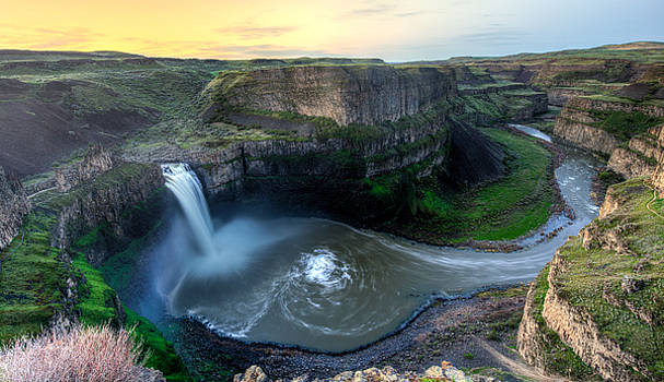 Palouse Falls by Alex Isom