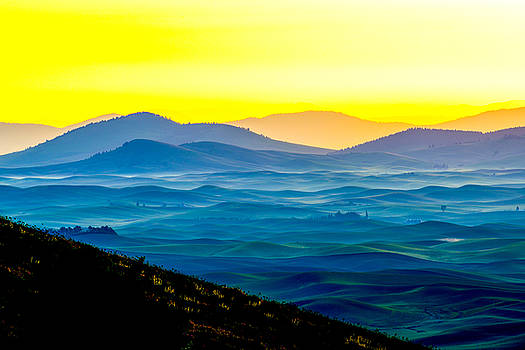 Palouse mountain in dawn color by Hisao Mogi