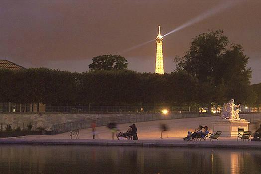 Paris evening by Milan Mirkovic