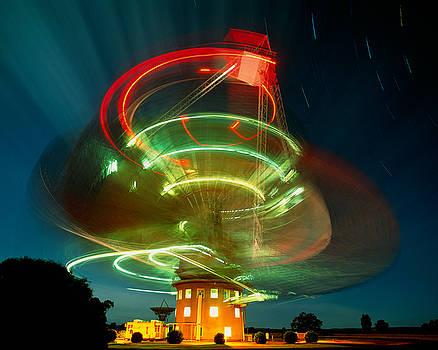 Parkes Radio Telescope by David Nunuk