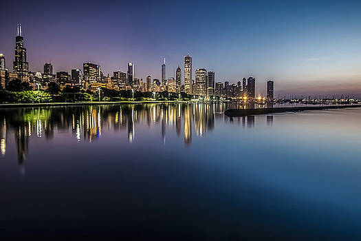Peaceful summer dawn scene on Chicago's lakefront by Sven Brogren