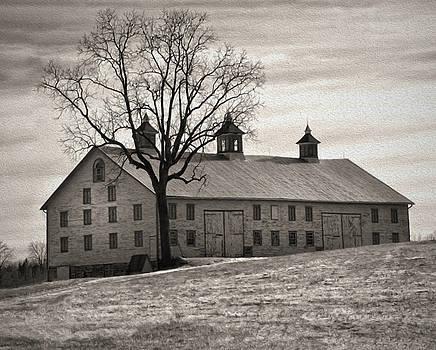 Pennsylvania Barn by Robert Geary