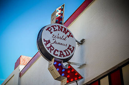 Penny Arcade to the right by Sharon Wunder Photography