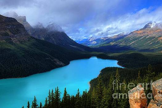 Peyto Lake Banff National Park Majestic Beauty by Wayne Moran
