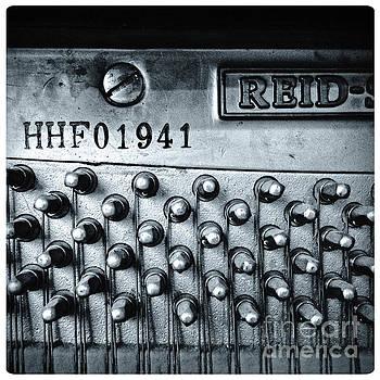 Piano 01a by Pete Edmunds