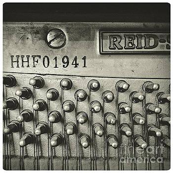 Piano 01B by Pete Edmunds