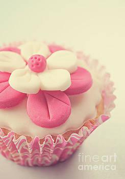 Pink Cupcake by Lyn Randle