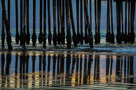 Pismo Beach Pier Posts by Garry Gay