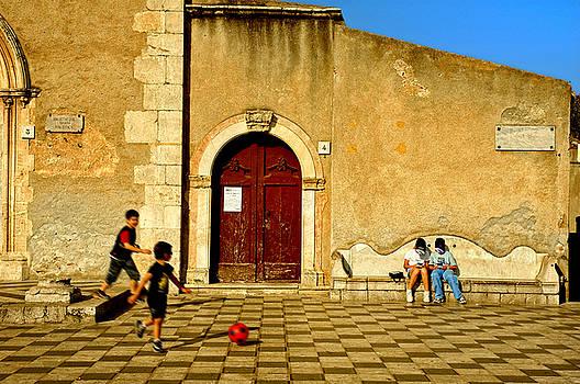 Silvia Ganora - Playing in Taormina