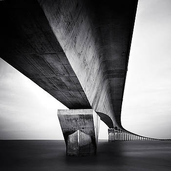 Pont Ile de Re by Nina Papiorek