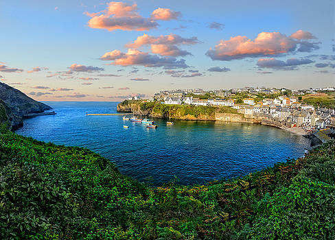 Port Issac by Alex Hardie