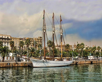 Port Vell  Near Barcelona Harbour by Alex Hardie