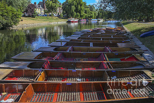 Patricia Hofmeester - Punters on the Cam in Cambridge
