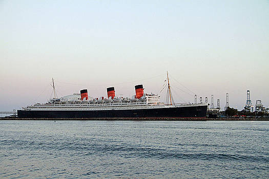 Queen Mary by Shoal Hollingsworth