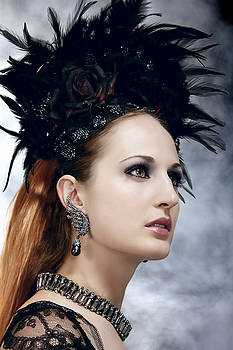 Queen by Murgia Cinzia