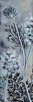 Queen's Lace 1 by Holly Donohoe