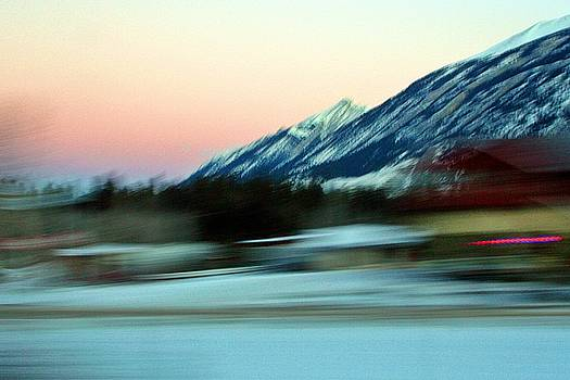 Quick to the Mountain by Mario Brenes Simon
