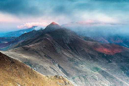 Red Peak by Evgeni Dinev