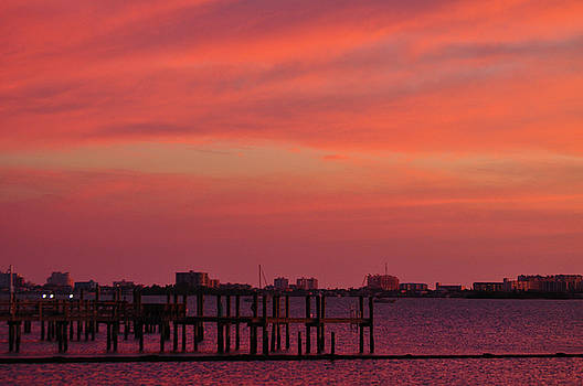 Red Sky at Night by Peter  McIntosh
