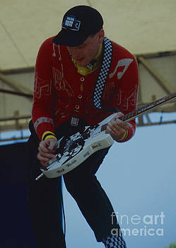 Rick Nielsen of Cheap Trick - Day on the Green 7-27-80 by Daniel Larsen