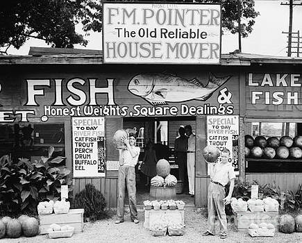 Walker Evans - Roadside stand near Birmingham, Alabama