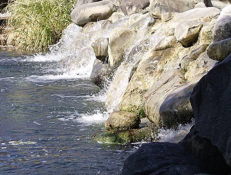 Rock Waterfall by Linda Bennett