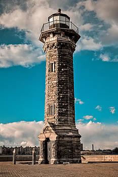 Roosevelt Island Lighthouse by Andrey Kopot