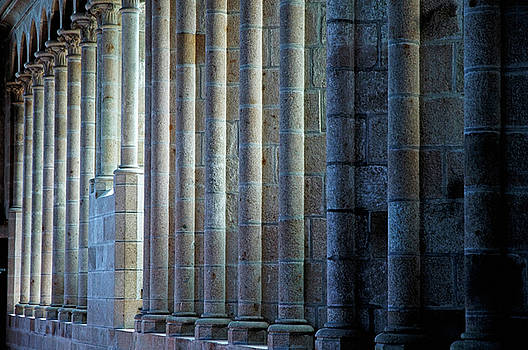 Sami Sarkis - Row of columns forming the wall of the monastery at Mont Saint-Michel