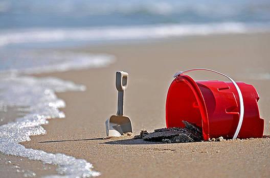 Sand Pail by Rob Byron