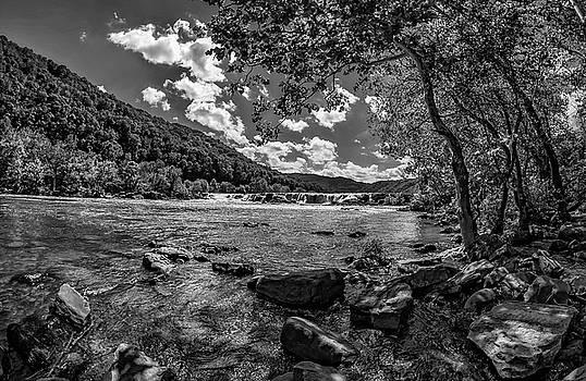 Steve Harrington - Sandstone Falls West Virginia 3 bw