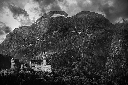 Schloss Neuschwanstein by Ron Jones