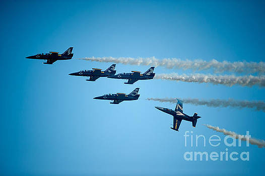 Seasoned Pilots Perform by Wayne Wilton