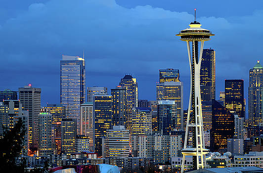 Seattle Space needle at dusk viewed from kerry park by Jay Mudaliar