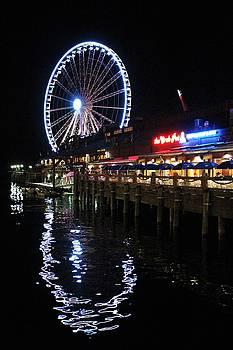 Seattle Waterfront by Caroline Lomeli