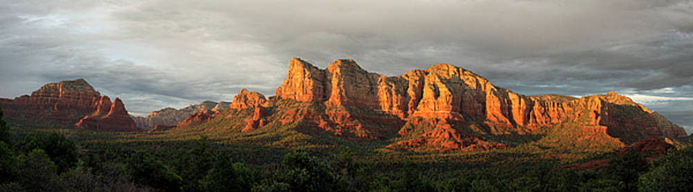 Sedona Red Rock by Ron McGinnis