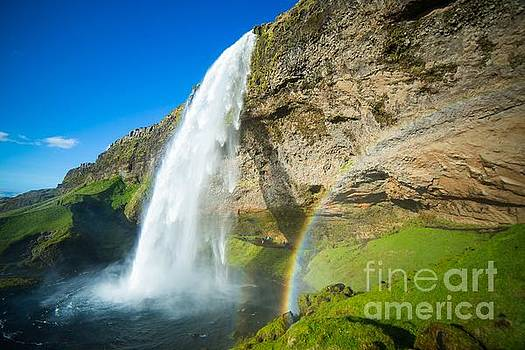 Seljalandsfoss waterfall by Mariusz Czajkowski