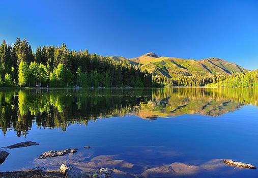 Serene lake Payton in Utah. by Jay Mudaliar