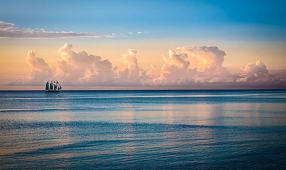 Debra and Dave Vanderlaan - Serenity Sailing