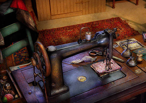 Mike Savad - Sewing Machine - Sewing Project
