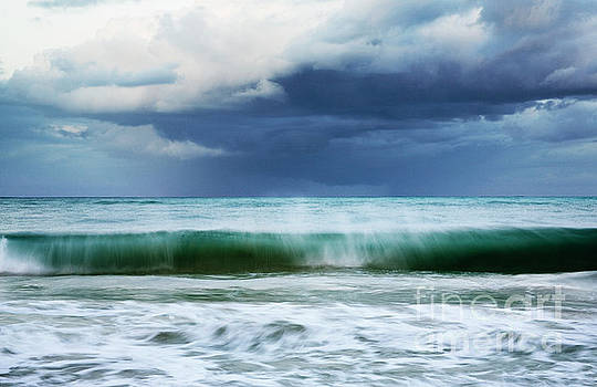 Charmian Vistaunet - Sheer Wave