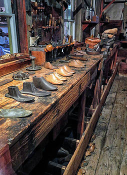 Shoemakers Work Bench by Dave Mills