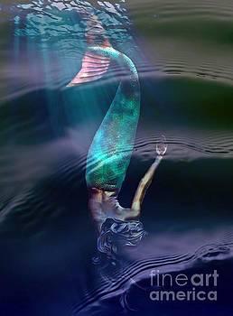 Sirena by Lilliana Mendez