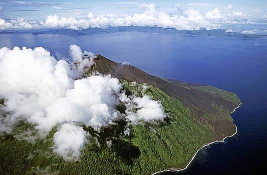 Sami Sarkis - Smoking volcano of Lopevi Island in Vanuatu